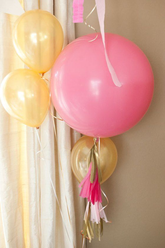 Clusters-of-Pink-and-Gold-Balloons