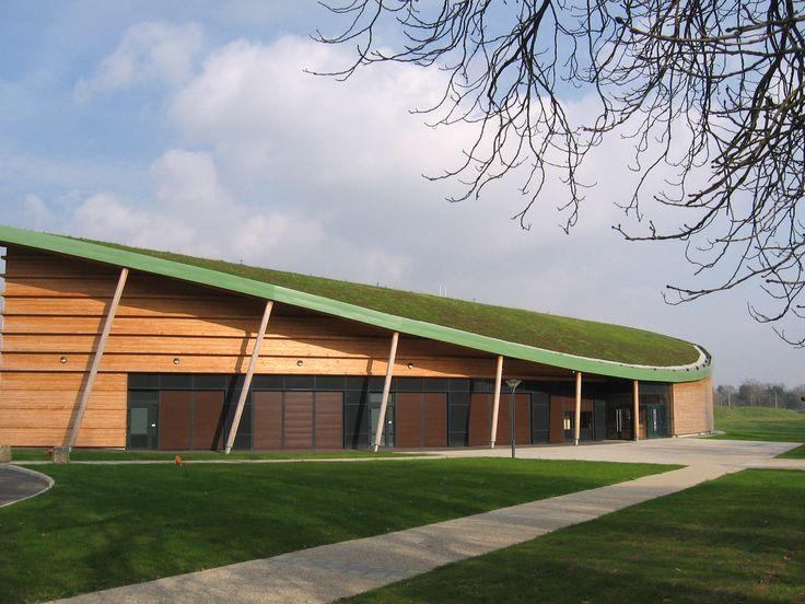 Salle de sport d'Angers réalisée par  ECOVEGETAL #greenroof  toiture végétale #greenroof  toiture végétale