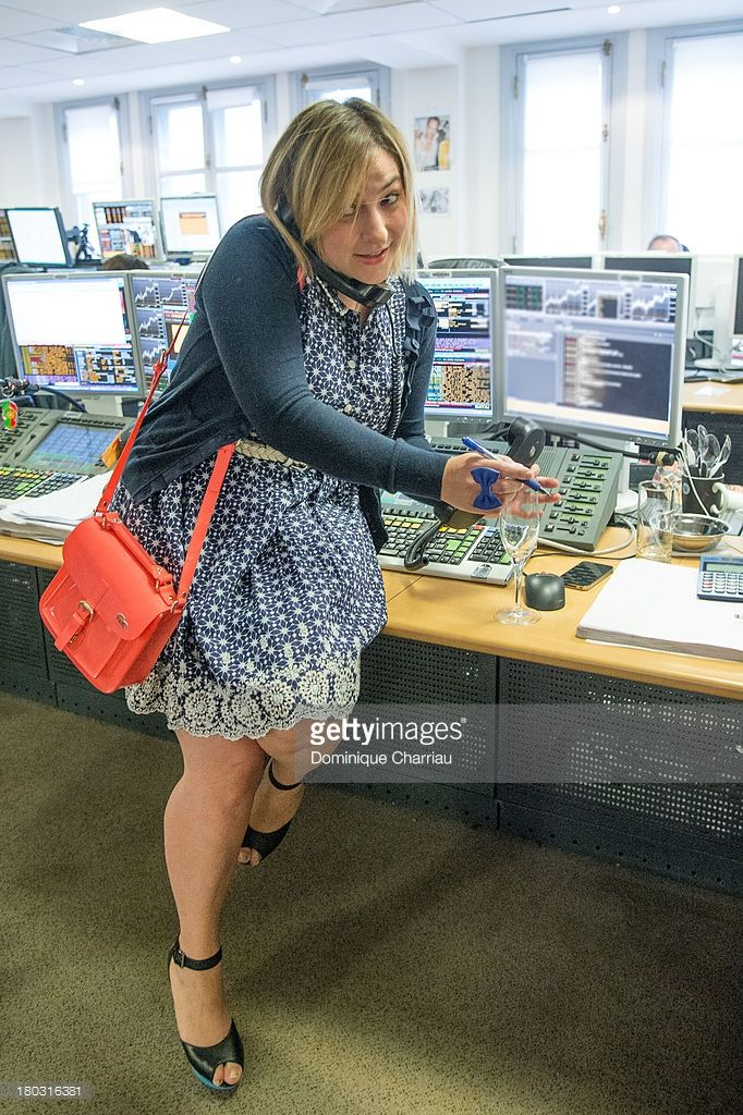 Photo d'actualité : Marilou Berry takes part in a trade at the BGC...