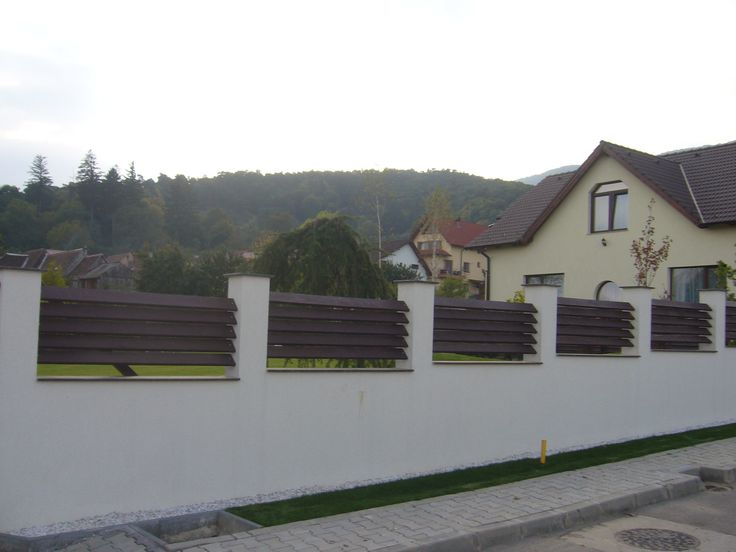 Gard metalic placat cu scandura  Model G03