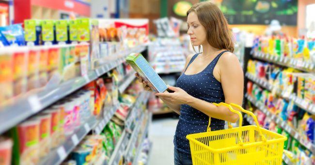 Cibi sani solo sulle etichette: tutti gli inganni del marketing