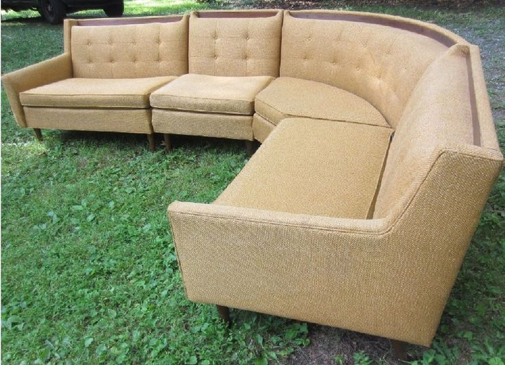 1969 Vintange Rowe tan sectional fabric sofa with wood trim very good