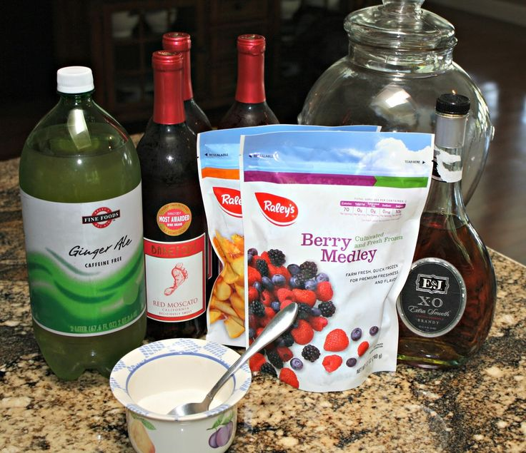 Sangria-AWESOME used Barefoot Red Moscato and Mixed berries -no sugar