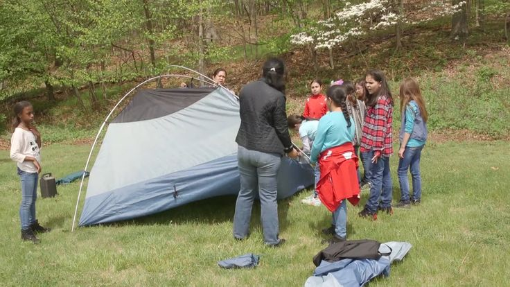 A safe, efficient campsite is important when camping. Watch and learn how to set up a proper camp with your Girl Scout troop!