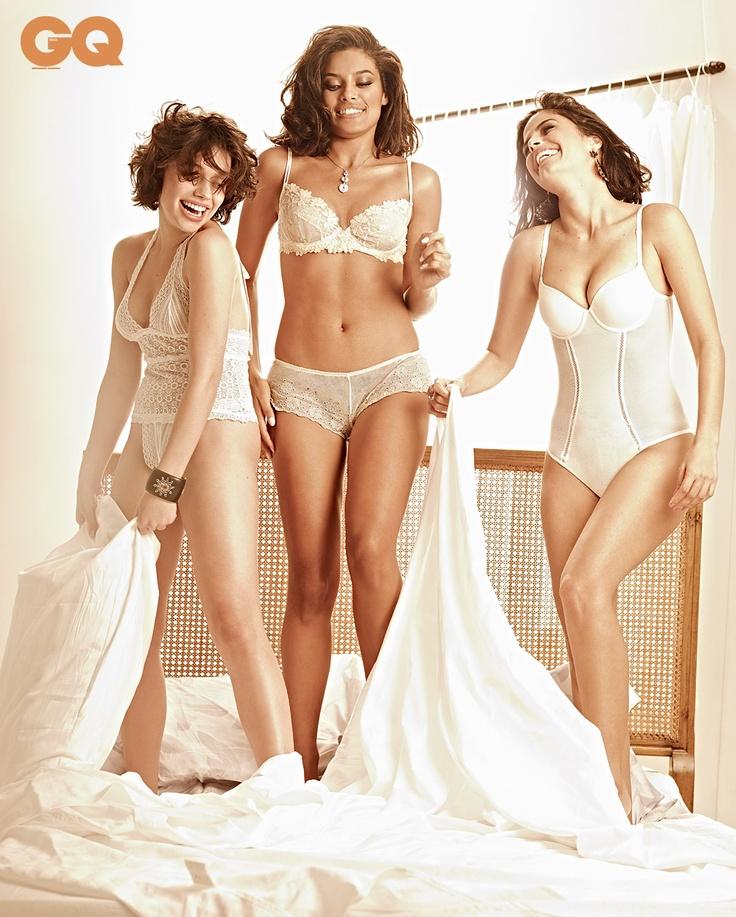 Fight in lingerie in bed - GQ Magazin Brazil, August 2012.