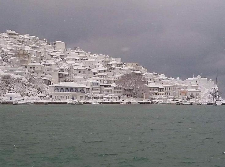 """Life in snowed in village"" – Report & pictures from Skopelos"