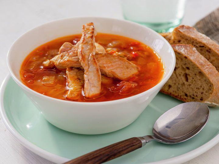 Hot linsesuppe med strimlet svinekjøtt 1