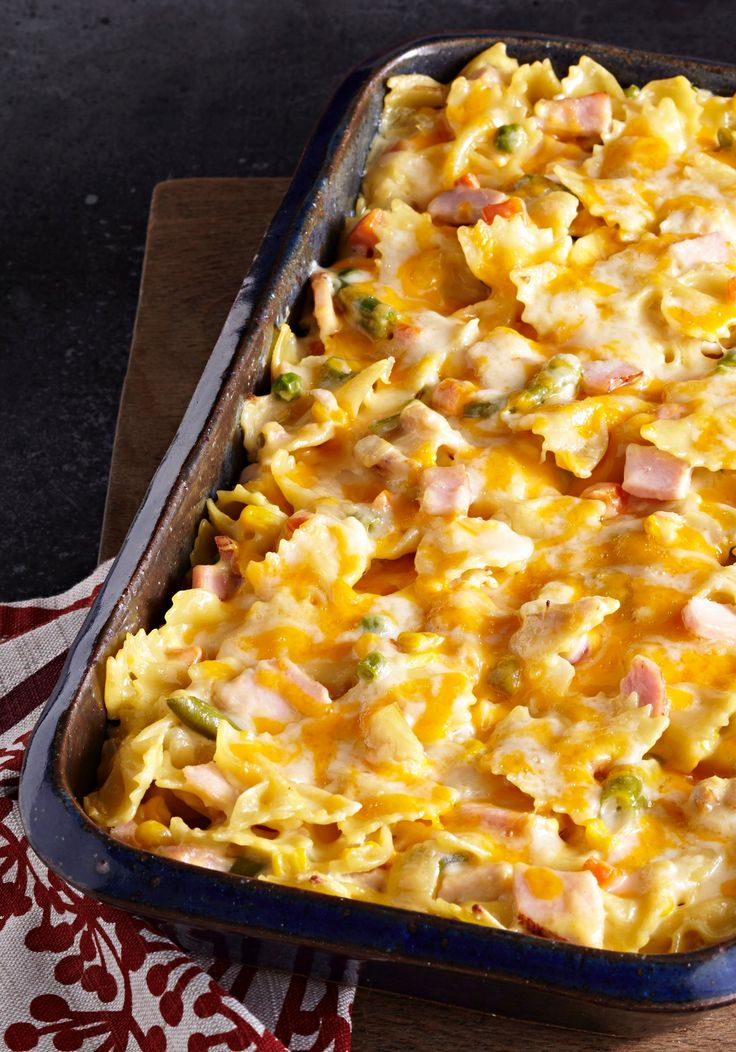 Creamy Turkey & Noodles –  Pasta dishes are always a classic to keep in your dinnertime rotation. Our Creamy Turkey & Noodles is an easy way to feed a crowd and a delicious recipe that uses Thanksgiving turkey leftovers! Get out the frozen mixed veggies and the bow-tie pasta, and we'll show you how.