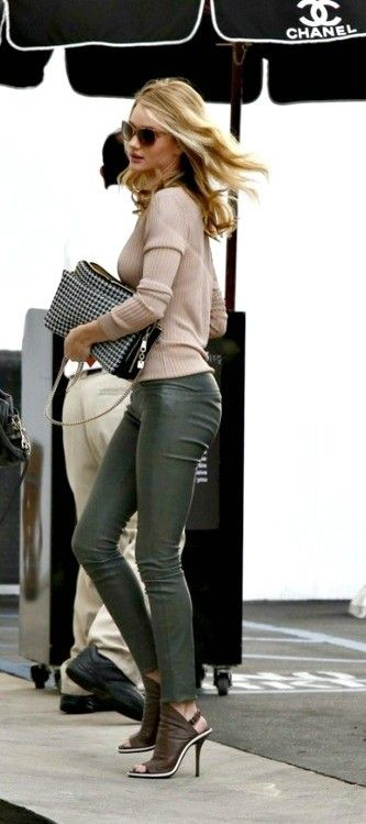 Rag and bone boot....Dark Green leather trousers? YES!!! http://www.missKrizia.com