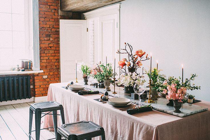 #easter #table photographer @anastasia_volkova ✨ video @yanayartseva ✨ concept, organization, decor #mrsmaxim_eventdesign & @flowerslovers.ru ✨ catering @osobennovkusno ✨ cake @tortikannuchka ✨ @crateandbarrelru ✨ #decor #spring