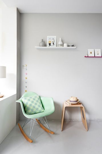 .: Wall Colour, Rocks Chairs, Mint Green, Design Interiors, Grey Wall, Green Chairs, Caroline Gomez, White Wall, Gray Wall