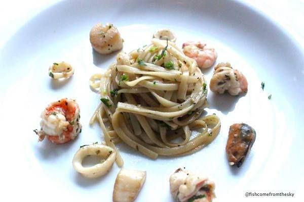 A pasta dish with Thai flavour that is perfect for weekday dinner.