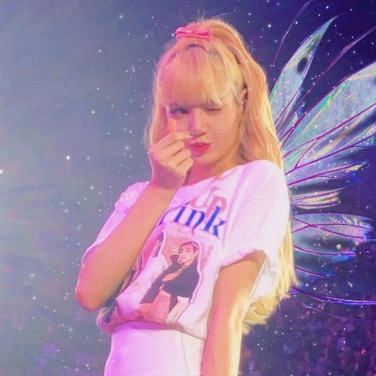 K Pop, Lisa Blackpink Wallpaper, Black Pink Kpop, Blackpink Photos, Blackpink Lisa, Blackpink Jennie, Kpop Aesthetic, Yg Entertainment, Tiana