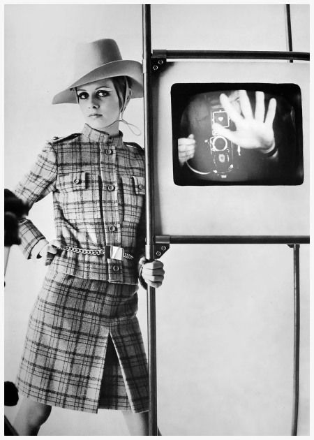 Twiggy photo by Bert Stern,1967