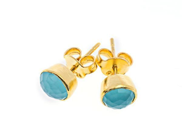 Aqua gold dream stud - Gold plated sterling silver with calcedony stone - HeidisHoff.no