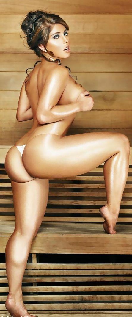 nude fwoman