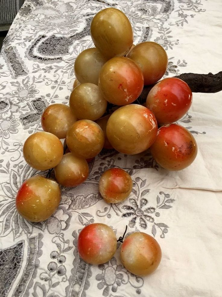 VTG 1960s Large Alabaster Grape Cluster Yellow Peach on Wooden Stem 8+ lbs Italy #Unknown