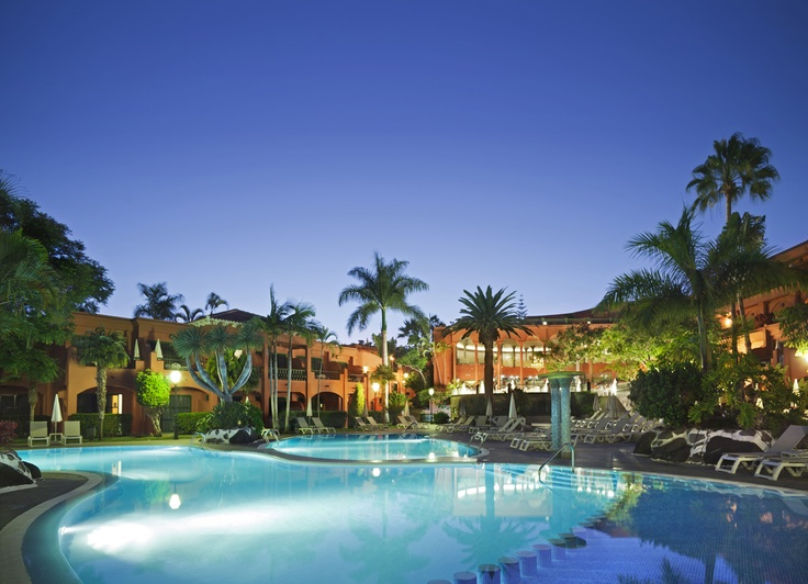 The pool at night, Hotel Colón Guanahaní, Playa Fañabe, Costa Adeje, Tenerife #Canarias @ADRIAN HOTELES