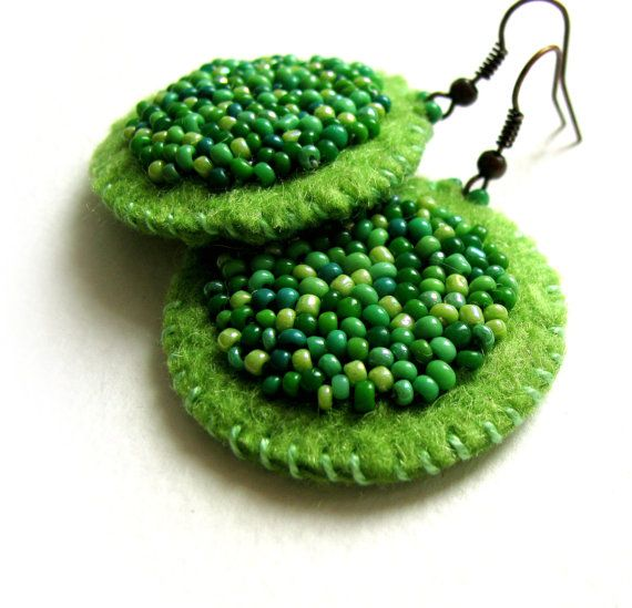Green Felt Earrings with Beading, great idea, could bead anything onto a piece of circle felt (heart, peace sign, etc.) then sew on the circle felt backing!