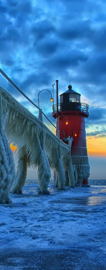 South Haven #Lighthouse - Michigan, USA http://dennisharper.lnf.com/ (Beauty Scenery Snow)