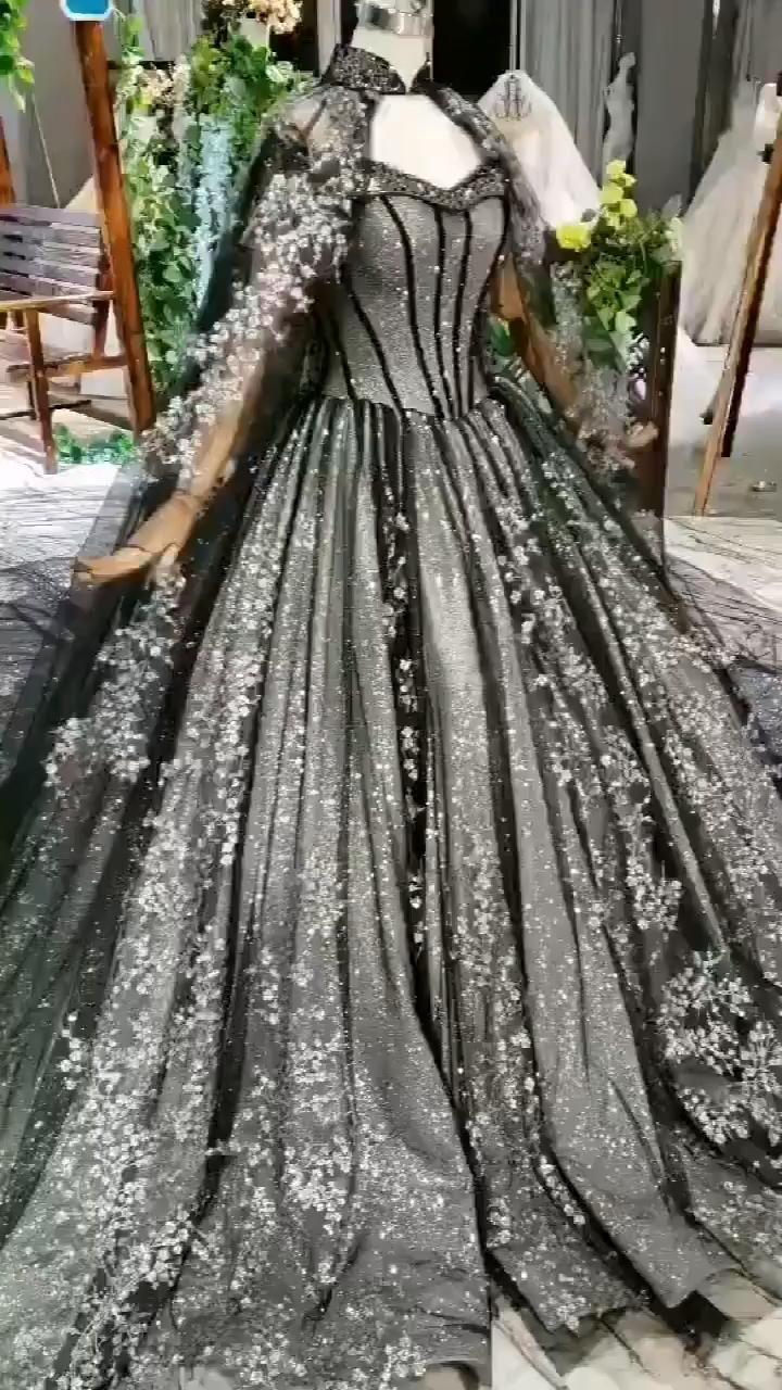 Lace Appliques Long Evening Dresses Black Formal Dresses With Cape Lace Appliques Long Evening Dresses Ball Gown Par Ball Gowns Ball Dresses Ball Gowns Evening [ 1280 x 720 Pixel ]