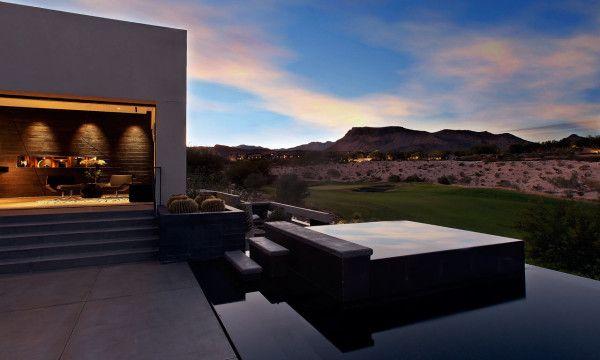 house TRESARCA: A MODERN HOUSE IN THE DESERT