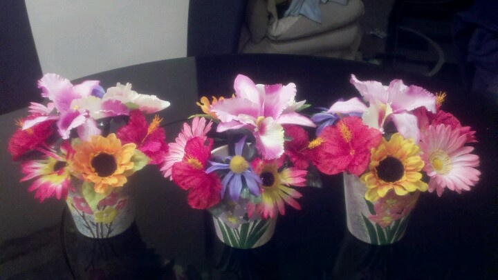 Happy Administrative Assistants Day pen bouquet gifts - Thinking about making this for our admin at work.