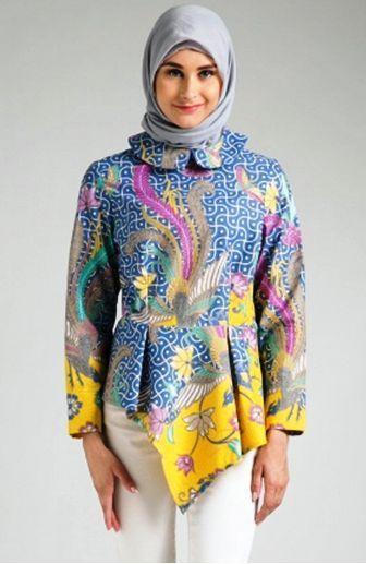 Model Baju Batik Modern Yang Trendi Dan ッ 25 Model Baju Batik atasan  Untuk Wanita Muslimah b89048ba61