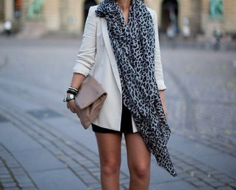 style: Light Pink Blazers, White Blazers, Big Scarves, Street Styles, Leopards Scarfs, Leopards Prints, Animal Prints, Cute Outfit, Bags