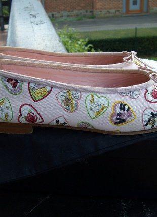 À vendre sur #vintedfrance ! http://www.vinted.fr/chaussures-femmes/chaussures-plates/35938071-ballerines-chanel
