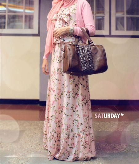 how to wear a maxi dress in the winter | How To Wear Floral Dresses During Winter | My Hijab