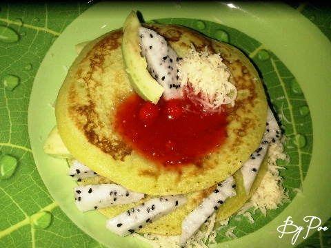 Pancake pandan mix fruit