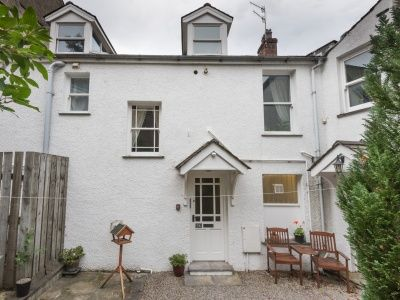 Catbells View first and second floor apartment in Keswick, dog friendly accommodation for 4 people