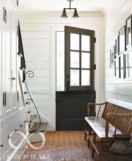 A striking and very simple entrance that in it's understating of the New England look makes for a beautiful design.
