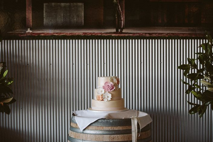 Cake at Yarra Ranges Estate Winery Wedding captured by Veri Photography