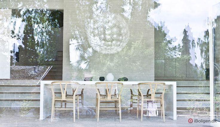 Minimalistisk hjem med charme og lyse labyrinter