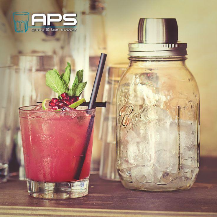 Nieuw! De te gekke Mason Jar Shaker (art: MA-Mason Shaker) met ingebouwde strainer.  Verkrijgbaar in onze nieuwe showroom op Veemarkt 51 of online in de webwinkel: http://www.apssupply.nl/97_mason-jar.  #masonjar #shaker #bartender #cocktail