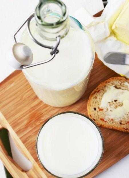 Benarkah Tidak Boleh Mengkonsumsi Obat Bersamaan Dengan Susu - Belajar Beramal dan Berbagi