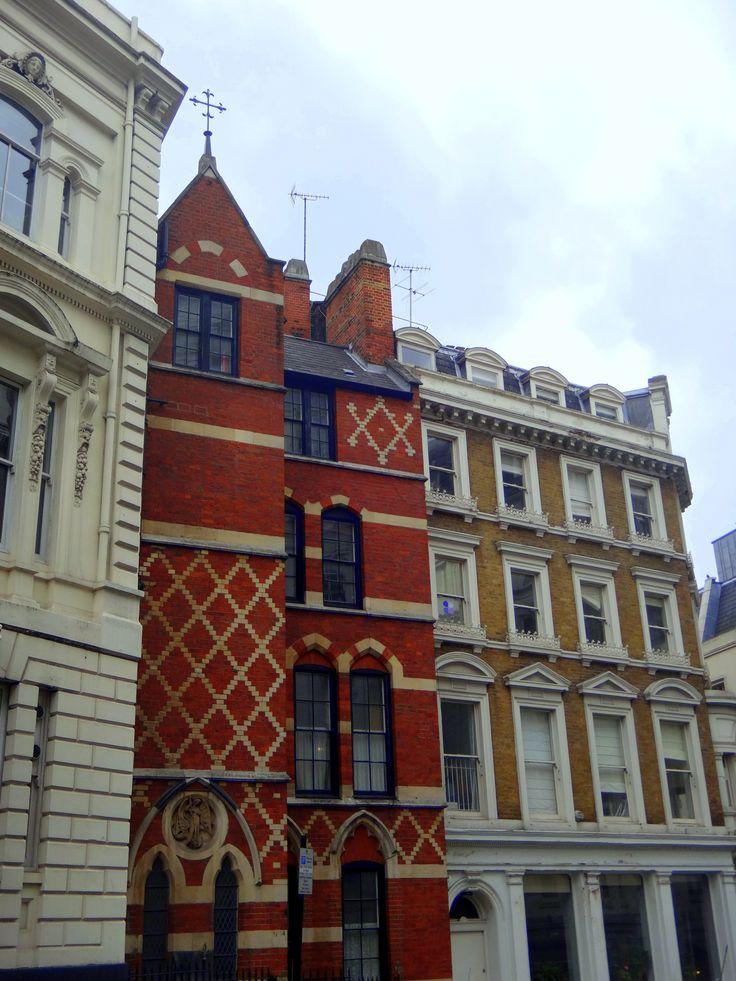 London, architechture, red brick, diamind pattern