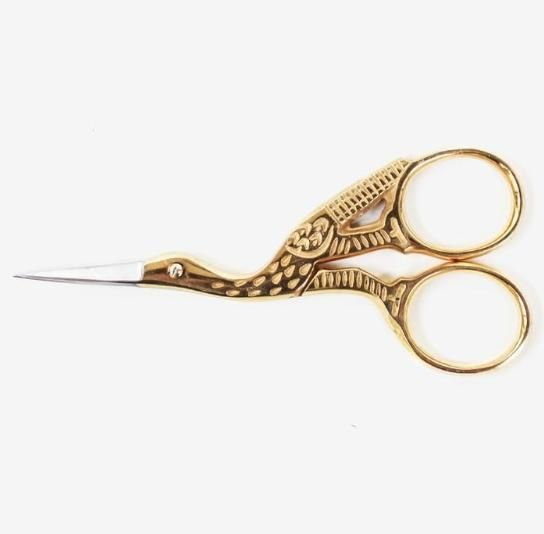 Let your creativity take flight with these antique style scissors in the shape of a crane! These are just the right size for creating beautiful small crafts, embellishing gifts, or just to add some st