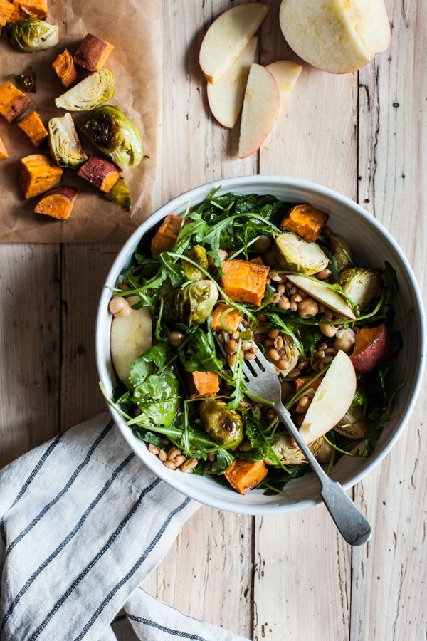 Vegan Autumn Harvest Salad | The Full Helping