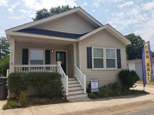 Palm Harbor Mobile Home For Sale in Chantilly VA, 20151