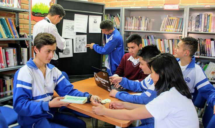 Cargos: -  Andrés Valvuena: FOTOGRAFO.  -Brian Amazo: ENCARGADO DE LOS MATERIALES Y PROTAGONISTA  Luis Angel Ely:  -ENCARGADO DEL VISTO BUENO, ENTREGAR TRABAJOS Y PROTAGONISTA  -Maira Borda: JEFE DE PRODUCCIÓN. -Juan David Rengifo: EDITAR Y TOMAR FOTOS.  -Diego Moreno: PRODUCCIÓN, EDITAR FOTOS.  -Fernando Bernal: PRODUCCIÓN, EDITAR FOTOS.  Cámara con que fue tomada: Nikon  Serie: 6G100954
