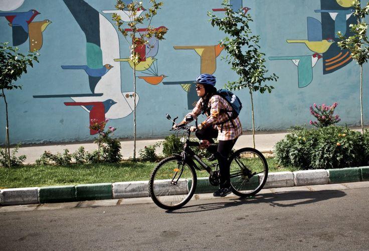 Iran : Un groupe de femmes a été arrêté pour avoir fait du vélo