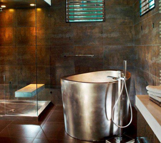 Японская ванна в загородном доме. Японская баня офуро – это уникальный способ помыться и поддержать свое здоровье. Для русского человека это новое и интересное, поэтому многие продвинутые спа-центры начали устанавливать деревянные ванны с опилками.  http://santehnika-tut.ru/  #новинка #мебель #сантехника #ванна