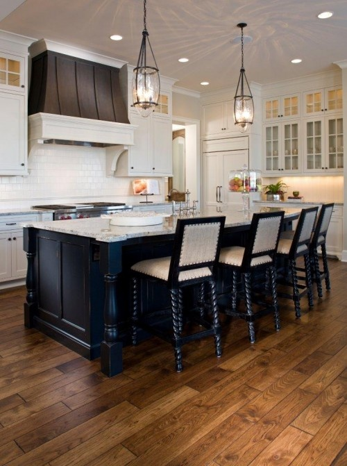 Home and kitchen ideasBarstools, Kitchens Design, S'Mores Bar, Traditional Kitchens, Wood Floors, Range Hoods, Kitchens Islands, Bar Stools, White Cabinets