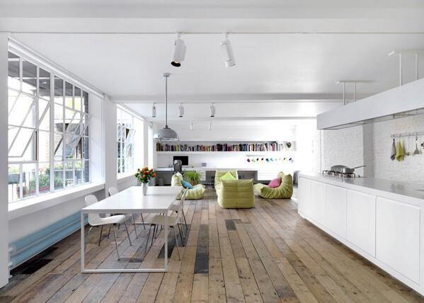 Witte Keuken Houten Vloer : Warehouse Loft Interior Design