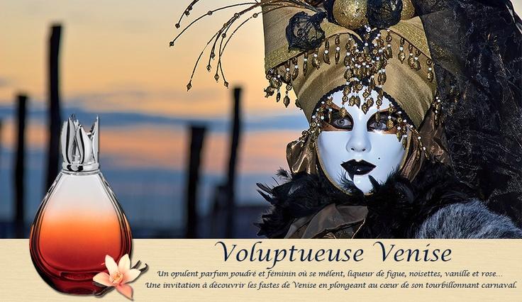 Parfum de Maison, Voluptueuse Venise. Plongez au coeur du tourbillonnant Carnaval de Venise. Une fragrance sophistiquée, opulente et capiteuse.