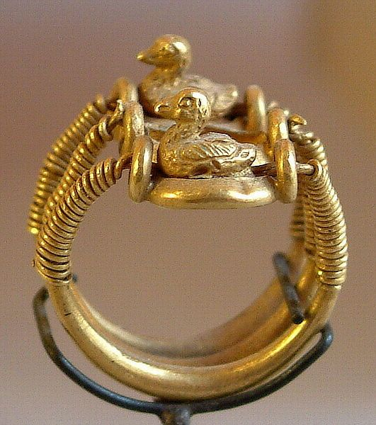 Ring with ducks, bearing the name of Ramsès IV 1153 - 1147 B.C. (20th dynasty)