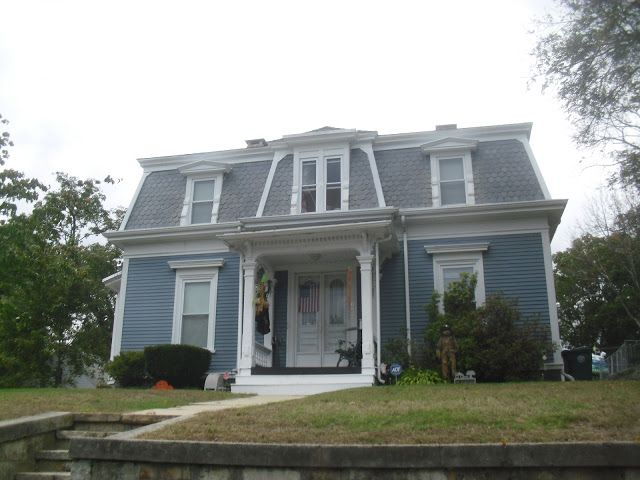 18 best images about victorian exteriors on pinterest for Mansard roof pros and cons